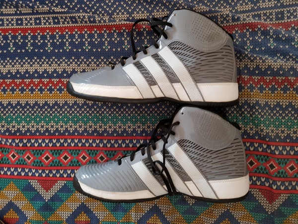 Used New Adidas shoes in Dubai, UAE