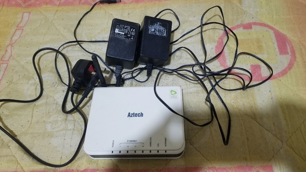 Used ❤2 pieces wifi router + 3  adaptors in Dubai, UAE