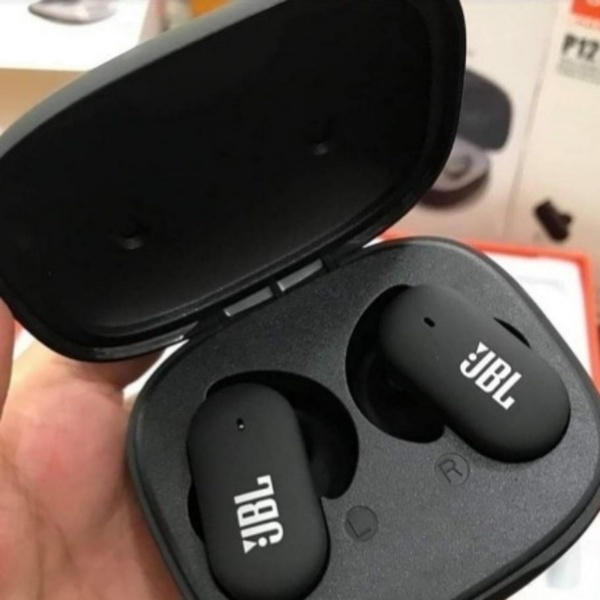Used P 12 EARBUD CAN BE ORDER TODAY DEAL 👌 G in Dubai, UAE