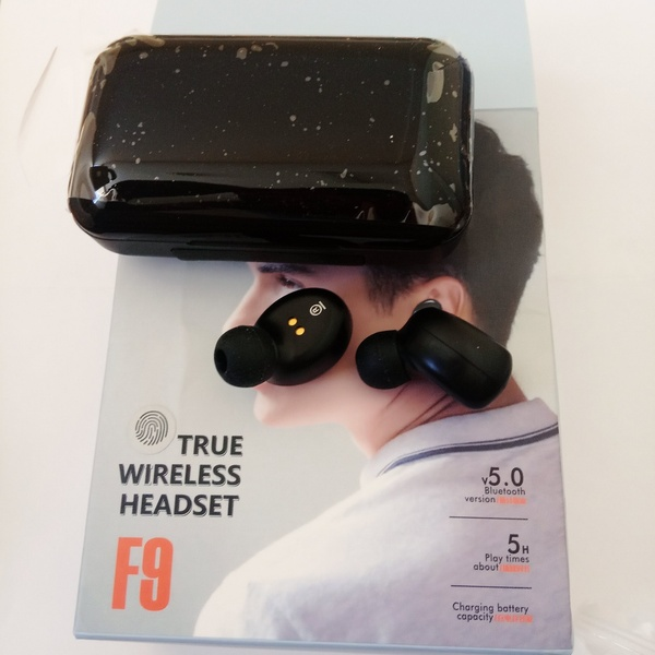 Used F9 black Bluetooth headphones in Dubai, UAE