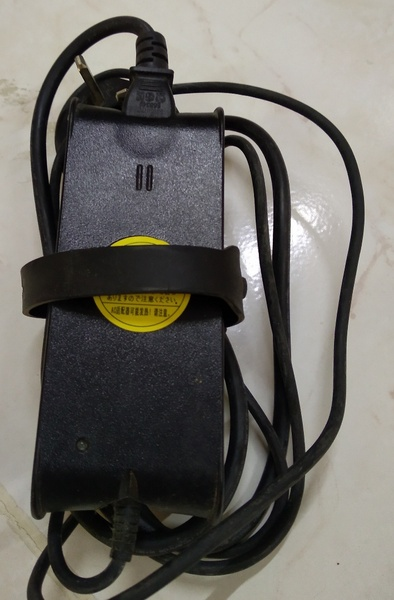 Used DELL laptop charger in Dubai, UAE