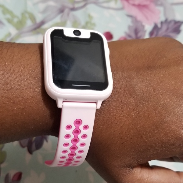 Used Kid's safety smart watch in Dubai, UAE