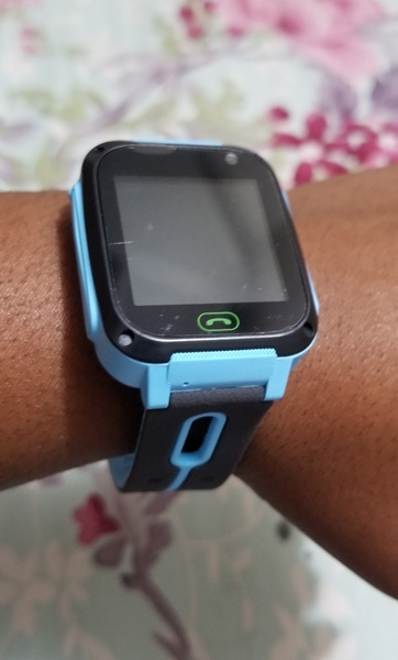 Used Kid's safety smart watch blue in Dubai, UAE