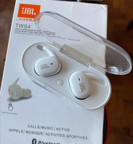 Used WHITE BEST CHOICE OF EARBUDS U BUY NOW in Dubai, UAE