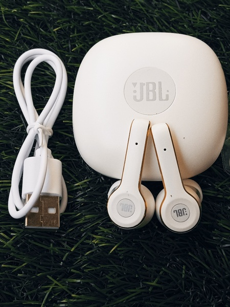 Used JBL PURE ZERO CABLE TWS 268 in Dubai, UAE
