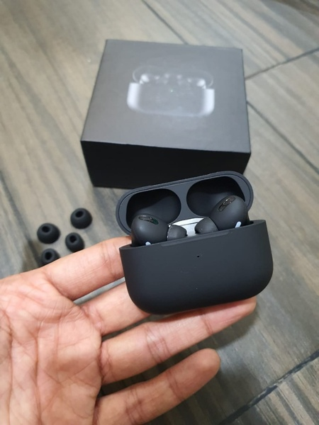 Used Apple Airpods Pro Black in Dubai, UAE