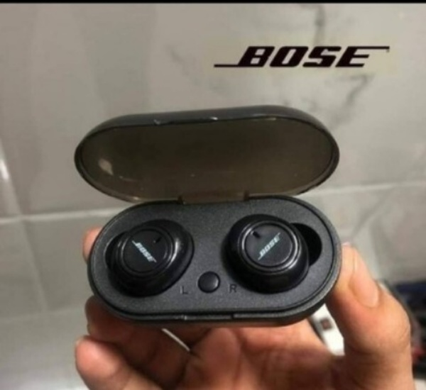 Used BIG BOSS TWS 2 EARBUDS PACKED ✔️✔️✔️ in Dubai, UAE