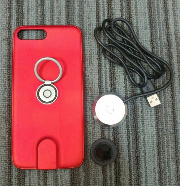 Used Magnetic Wireless Charging Case+Car munt in Dubai, UAE