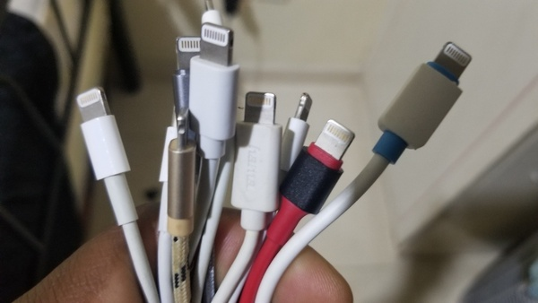 Used 10 ORGINAL IPHONE CABLES in Dubai, UAE