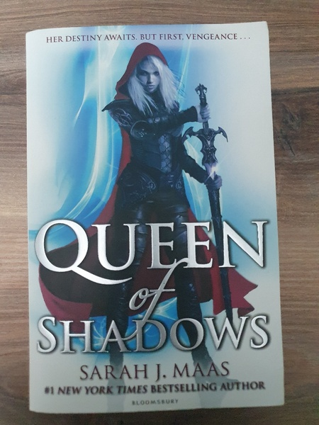 Used Queen of Shadows - Sarah J. Mass in Dubai, UAE