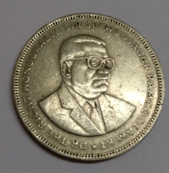 Used Aunty collectible coins in Dubai, UAE