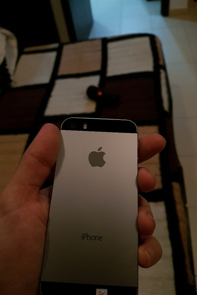 Used IPHONE 5S LIKE NEW CONDITION ELE1 in Dubai, UAE
