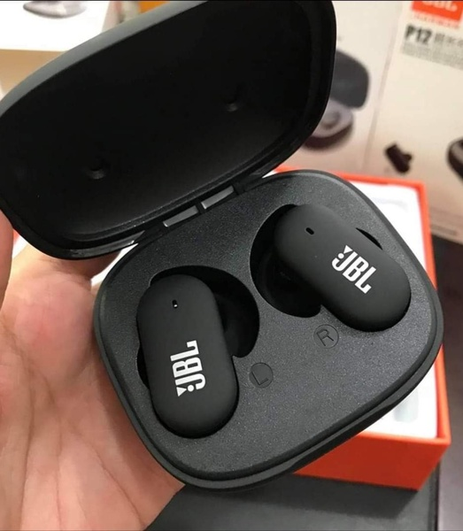 Used P12 EARBUDS PACKED ✔️✔️ NEW ONE in Dubai, UAE
