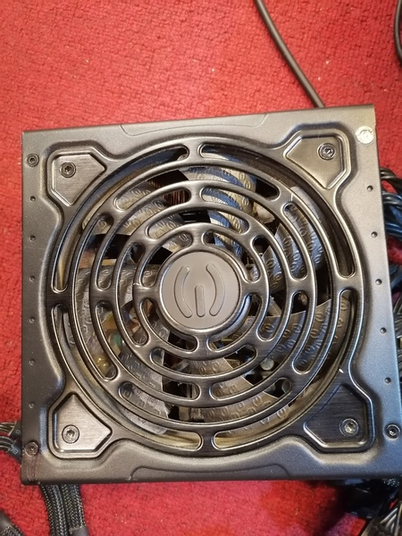 Used EVGA power supply 1000 w in Dubai, UAE
