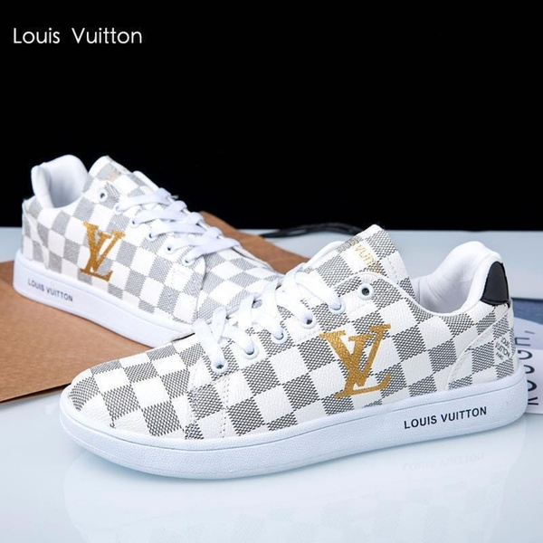 Used Master Quality LV Shoes (Unisex) in Dubai, UAE
