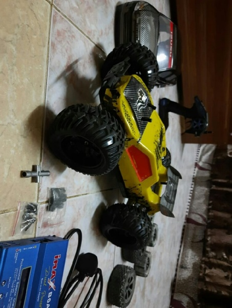 Used 3s Rc brushless monster truck 1/10 scale in Dubai, UAE
