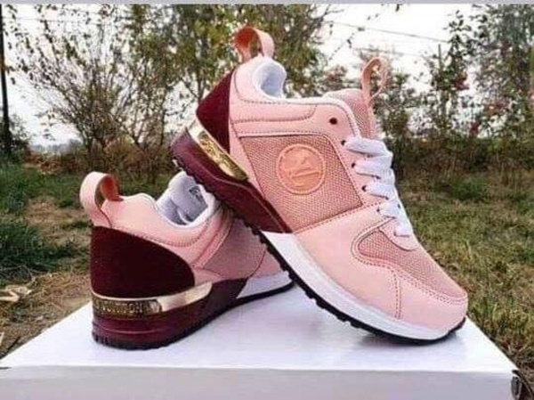 Used High Quality Shoes for Men/Women in Dubai, UAE