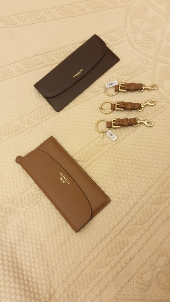 Used Coach 3 keychains and 2 wallet in Dubai, UAE
