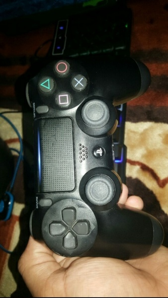 Used Ps4 Controller DUAL ShoCK 4 (Original) in Dubai, UAE
