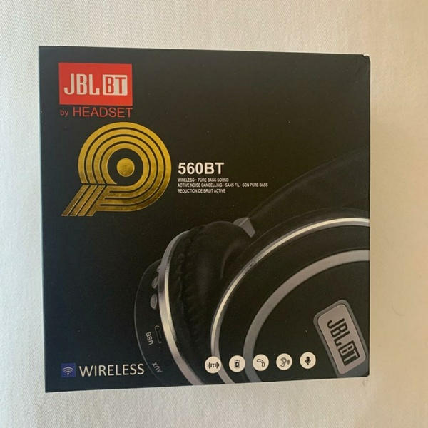 Used JBL 560BT in Dubai, UAE