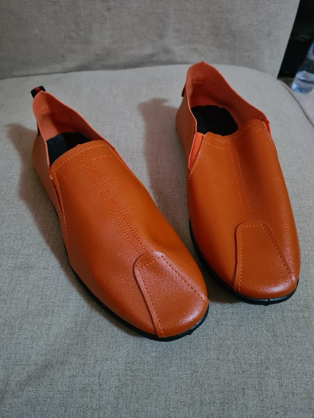 Used Brand new loafer size 40 + 2 tshirts in Dubai, UAE