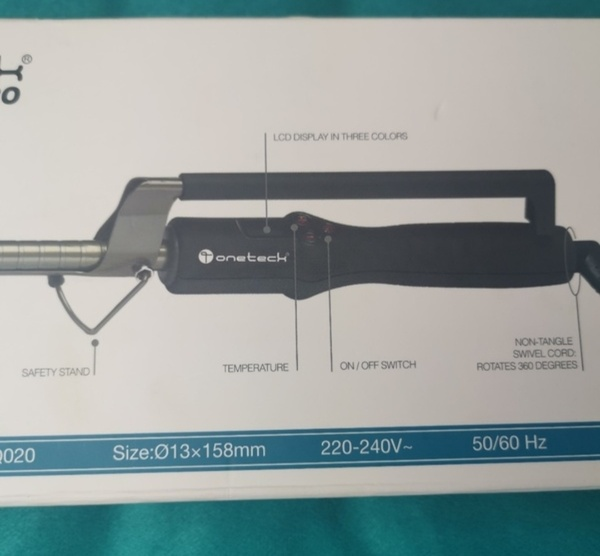 Used ONETECH curling iron (worth 320 dhs) in Dubai, UAE