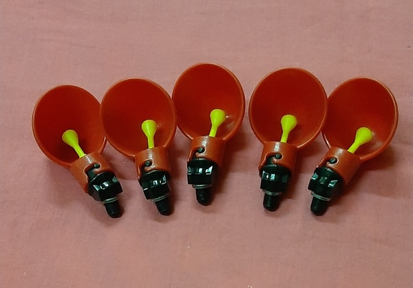 Used Automatic chicken water drinker, 5 pcs ! in Dubai, UAE