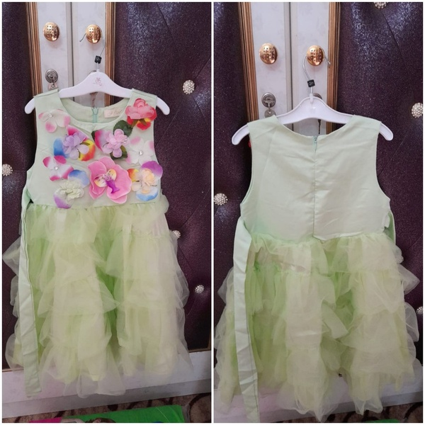 Used Baby girl frock size 20 in Dubai, UAE