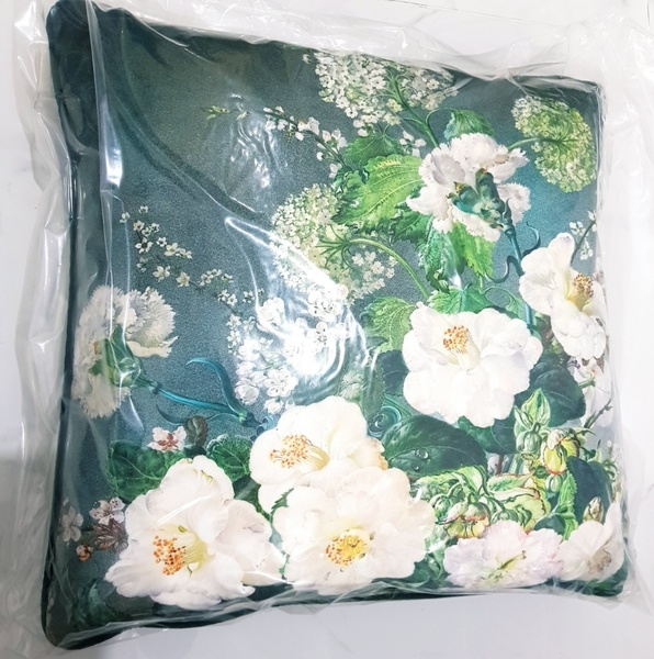 Used Green Floral Cushion Brand New in Dubai, UAE