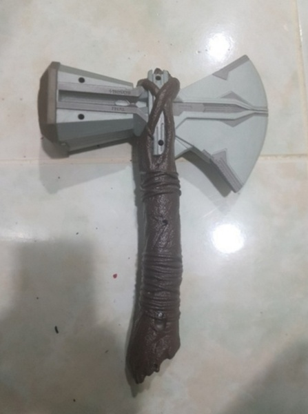 Used Thor's storm breaker in Dubai, UAE