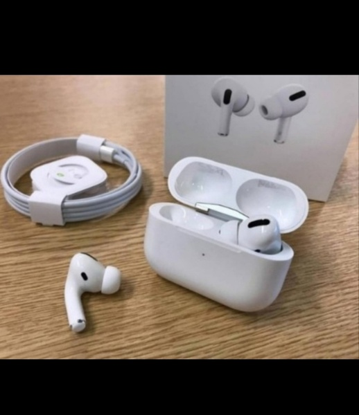 Used APPLE AIRPODS PRO NEW HURRY/🎊💯 in Dubai, UAE