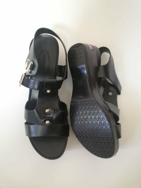 Used Beautiful black sandal in Dubai, UAE