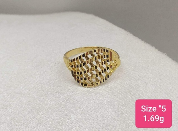 Used Gold RING in Dubai, UAE