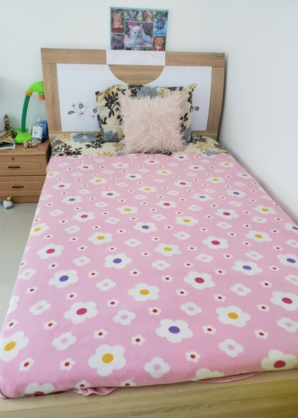Used 132*19 5cm Bed with medical mattress in Dubai, UAE