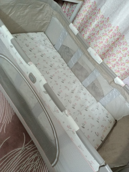 Used Joie cot / foldable travel cot in Dubai, UAE