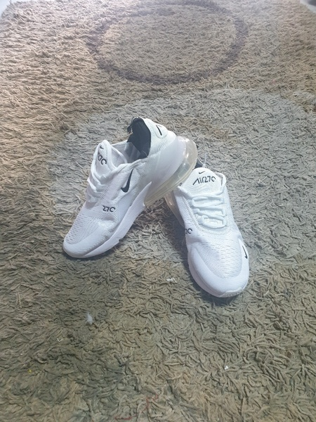 Used Nike Air270 size 39 new for her in Dubai, UAE