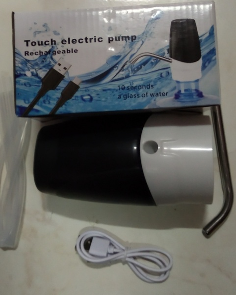 Used Rechargeable Electric pump 2 pcs in Dubai, UAE