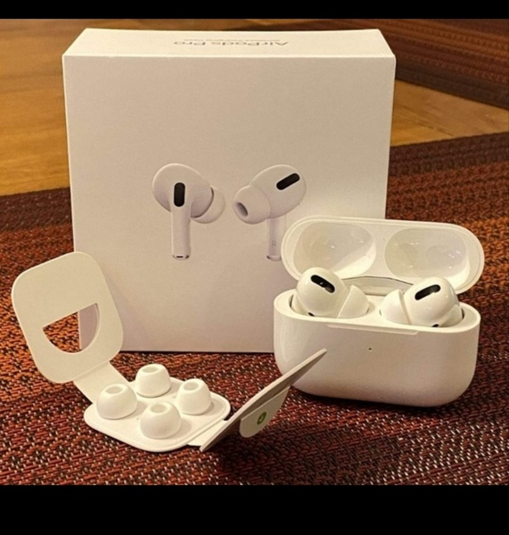 Used AIRPODS PRO BRAND NEW APPLE💜 in Dubai, UAE