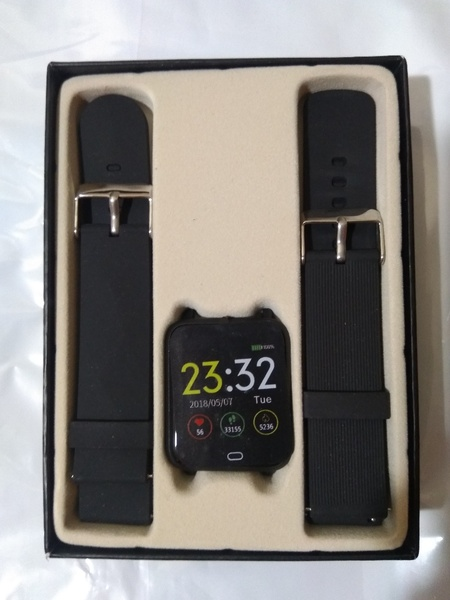 Used Double strap Q9 Smart Watch Blood Pressu in Dubai, UAE