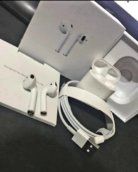 Used Apple Airpod  Genaration 2 best quality in Dubai, UAE