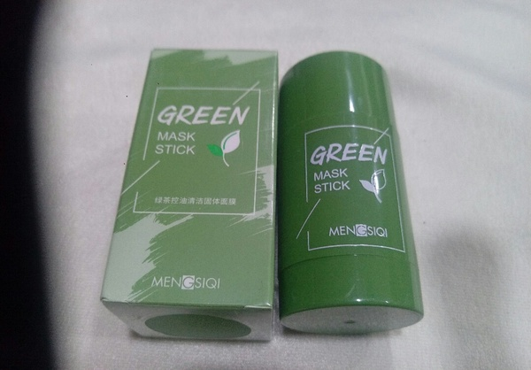 Used Green tea purifying clay stick mask new in Dubai, UAE