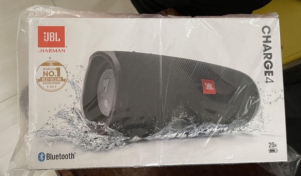 Used JBL CHARGE 4 SPEAKER BRAND NEW🧡 in Dubai, UAE