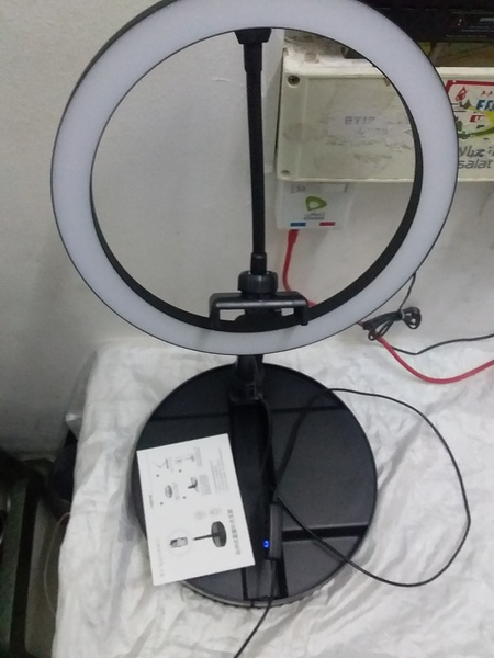 Used 10 inch  Stretchable LED Ring Light in Dubai, UAE