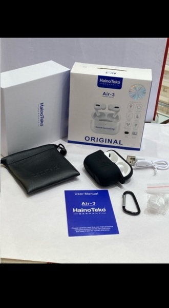 Used ORIGINAL AIRPODS PRO AIR3 SELLER NEW ⚫ in Dubai, UAE