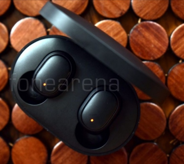 Used DEALS MI BUDS REDMI AIRDOTS EARBUDS in Dubai, UAE