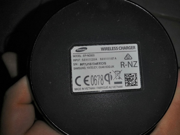 Used Used 2016 SAMSUNG WIRELESS CHARGER in Dubai, UAE