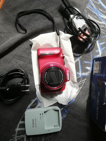 Used Canon PowerShot SX170is Camera RED in Dubai, UAE