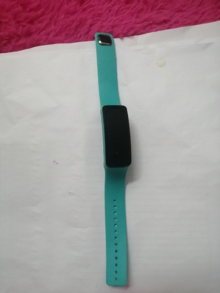 Used 2 pairs of electronic watch in Dubai, UAE