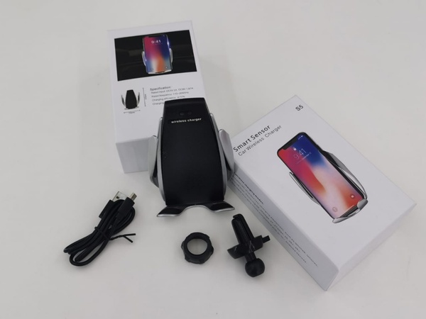 Used Smart Wireless charger for car 3 pcs in Dubai, UAE