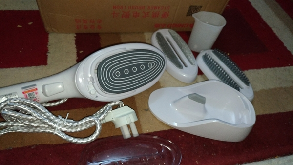Used Steamer brush iron in Dubai, UAE